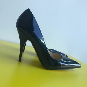 Kate Spade Patent Pointed Pumps